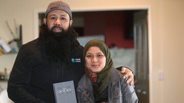 مبلغ نیوزیلندی  و خانواده اش، اسلام را به مردم میشناسانند