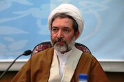 سخنرانی مسئول دفتر سیاسی و اجتماعی حوزه در مدارس علمیه کردستان