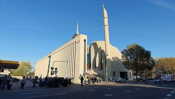 Cologne mosque reopens after hoax bomb threat