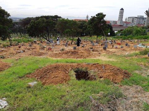 هتک حرمت به گورستان مسلمانان در کیپ تاون: 70 قبر مخدوش شدند