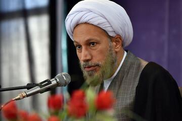 فیلم| پاسخ امام جمعه شیراز به کسانی که انتظار دارند دین کرونا را ریشه کن کند