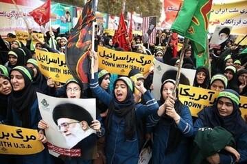 انقلاب اسلامی به زن مسلمان عزت و کرامت بخشید