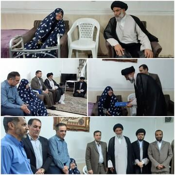 دیدار نماینده ولی فقیه در خوزستان با خانواده شهیدان باوی و دقایقی