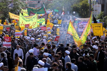 تصاویر/ راهپیمایی یوم الله ۱۳ آبان در قم-۱