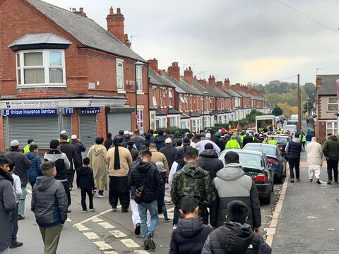 Muslims take part in Nottingham parade to celebrate Prophet Muhammad's birthday