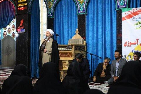 حجت الاسلام حسناتی در مزار شهید حججی