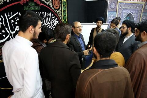 تصاویر/ نشست سیاسی با موضوع تحولات خارجی و داخلی در مدرسه علمیه شهید صدوقی فاز 5