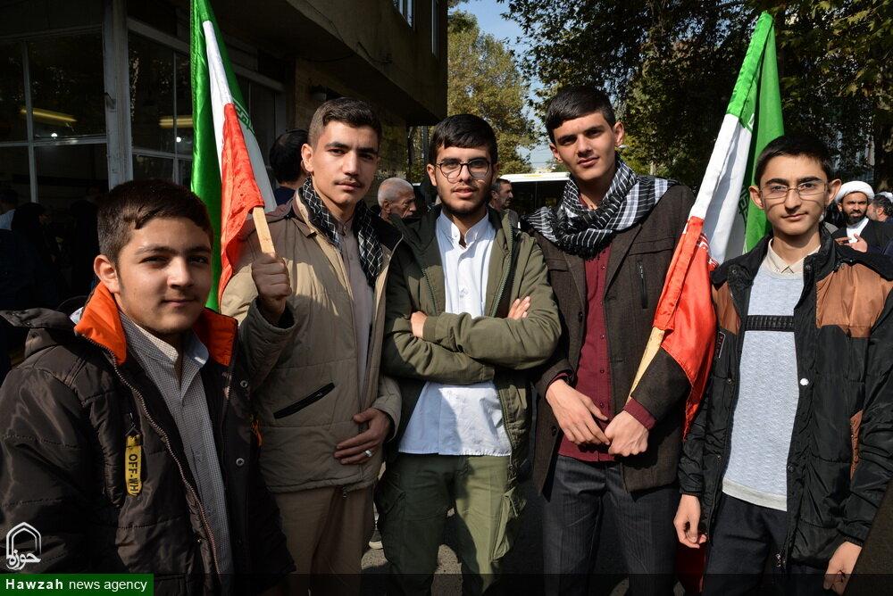 تصاویری از حضور طلاب و روحانیون البرز در راهپیمایی یوم الله 13 آبان