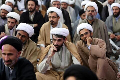 تصاویر/ مراسم تجدید بیعت طلاب و روحانیون با امام زمان(عج) در مسجد مقدس جمکران
