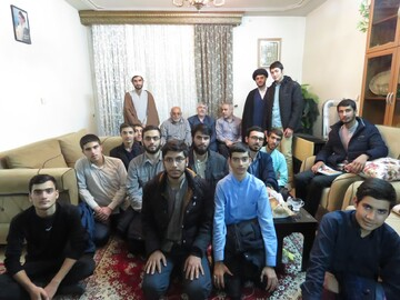 طلاب مدرسه صالحیه قزوین به دیدار جانبازان رفتند+ عکس