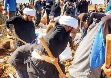 حضور جهادی طلاب میانه در مناطق زلزله زده از لحظات اولیه وقوع حادثه