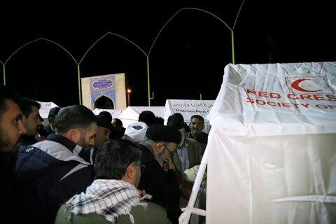 بازدید شبانه امام جمعه تبریز از مناطق زلزله زده میانه به روایت تصویر