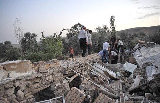 طلاب حضوری چشمگیر در کمک رسانی به مردم در زلزله آذربایجان شرقی داشتند