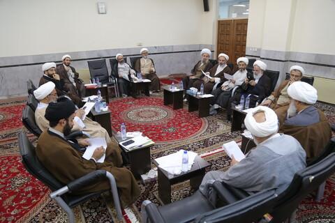 تصاویر/ برگزاری کمیسیونهای اجلاسیه اساتید سطوح عالی حوزههای علمیه در مدرسه دارالشفاء-1