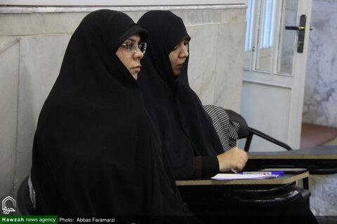 """بالصور/ ندوة تخصيصة تحت عنوان """"ماهية نمط الحياة الدينية في الخطوة الثانية لقائد الثورة الإسلامية وسببه"""" في مؤسسة المعهد العالي للحوزة المعصومية النسوية بقم"""