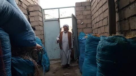 تصاویر/ حضور ائمه جمعه میانه و سراب در میان زلزله زدگان