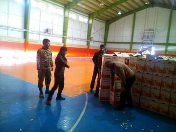 تصاویر/ خدمت رسانی طلاب و روحانیون میانه به مردم زلزله زده