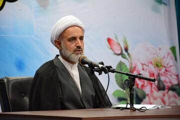 صفات پیامبر الگوی  امت اسلامی باشد