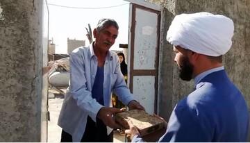فیلم/ توزیع نامه قدردانی رئیس سازمان تبلیغات از اهالی مهران