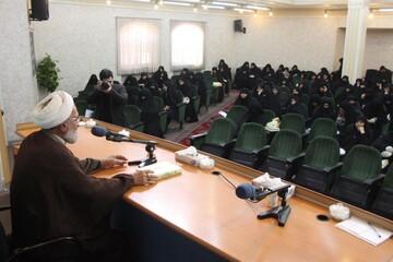 نشست های بصیرت فاطمی در مدارس خواهران لرستان برگزار می شود