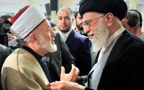 الإمام الخامنئي والوحدة الإسلامية