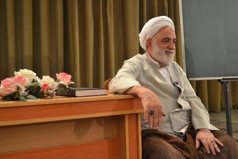 محسن قرائتی در درس هایی از قرآن
