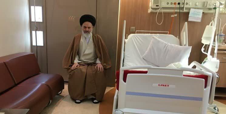 آیتالله حسینی بوشهری از بیمارستان مرخص شد+ عکس