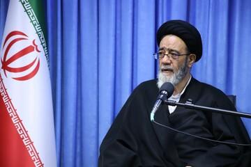 مقام معظم رهبری با همان صلابت امام راحل کشور را مدیریت می کنند