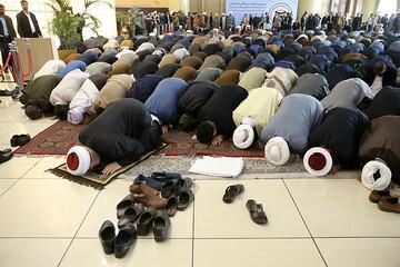 عکس/ اقامه نماز وحدت در افتتاحیه کنفرانس وحدت
