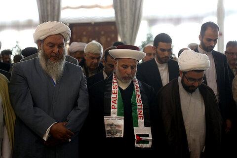 بالصور/ إقامة صلاة الوحدة في افتتاح مؤتمر الوحدة الإسلامية