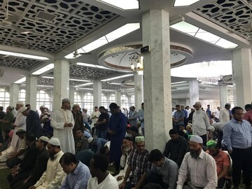 Thousands of Muslims pray for peace in Hong Kong