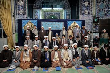 تصاویر/ مراسم عمامه گذاری طلاب مدرسه علمیه بقیه الله تهران