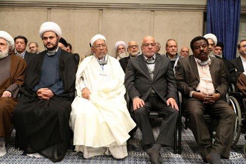 تصاویر/ دیدار مسئولان نظام و میهمانان کنفرانس وحدت اسلامى با رهبر معظم انقلاب
