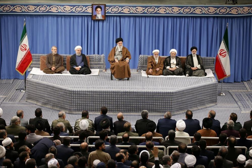 تصاویر/ دیدار مسئولان نظام و میهمانان کنفرانس وحدت اسلامی با رهبر معظم انقلاب