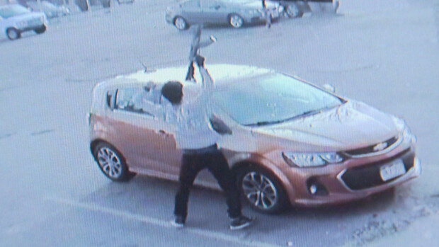 اقدام تهدیدآمیز مردی با اسلحه جنگی علیه مسجد دنور در کلرادو