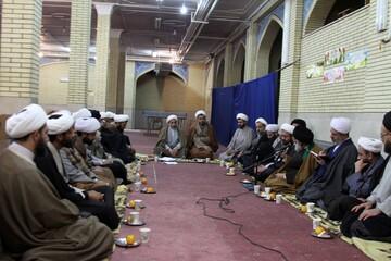 نشست اساتید حوزه همدان با مدیر حوزه و نماینده ولی فقیه در استان