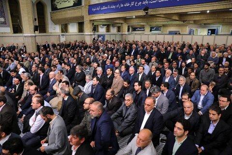 تصاویر/ دیدار جمعی از تولیدکنندگان، کارآفرینان و فعالان اقتصادی با رهبر معظم انقلاب