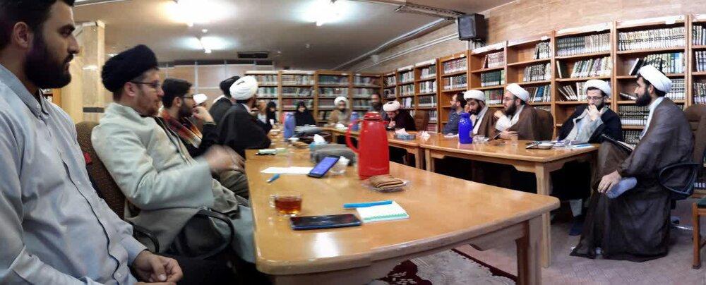 هم اندیشی جمعی از طلاب فعال در فضای مجازی در خبرگزاری حوزه