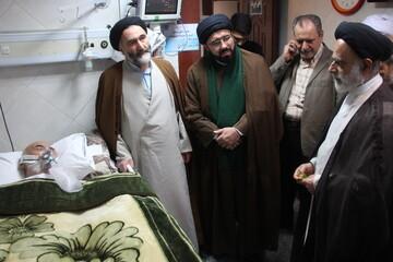 تصاویر/ عیادت جمعی از فضلای حوزه از استاد کیایی نژاد در بیمارستان