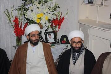 تجلیل از خانواده شهید مدافع امنیت در کرمانشاه
