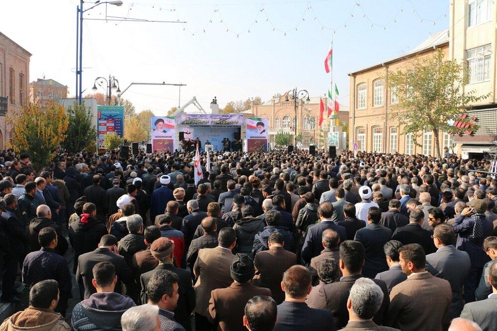 تصاویر/ راهپیمایی مردم ارومیه در حمایت از رهبری و دفاع از امنیت و اقتدار کشور