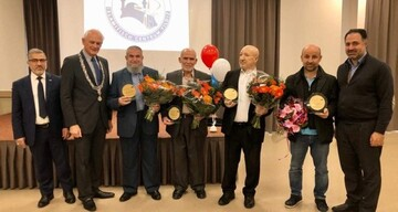 4 Turkish men receive royal honors for building Islamic center in Netherlands