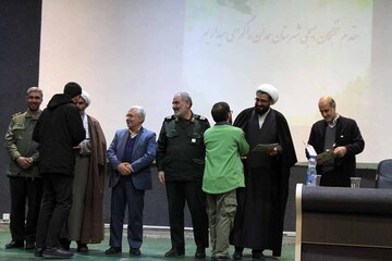 تصاویر/ دیدار نخبگان و فعالان بسیجی با نماینده ولی فقیه در استان همدان