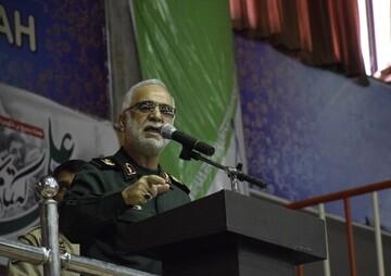 اجتماع بزرگ بسیجیان در کرمانشاه+ عکس