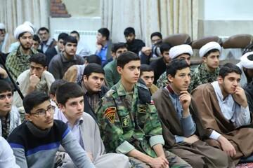 تصاویر/ مراسم گرامیداشت هفته بسیج در مدرسه علمیه امیرالمومنین(ع) تبریز