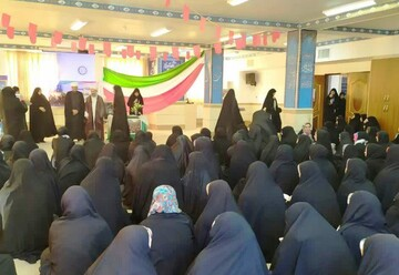 تصاویر/ ویژه برنامه هفته بسیج در مدرسه علمیه خواهران ریحانه النبی(س) سنندج