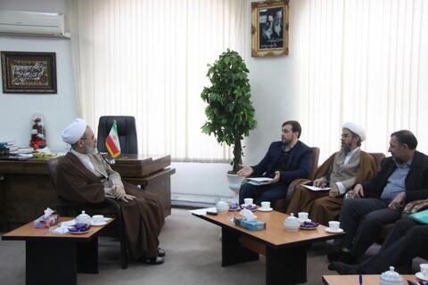 تصاویر/ دیدار رئیس دانشکده صدا و سیمای قم با آیت الله اعرافی