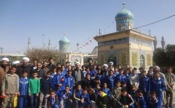 استقبال گسترده مدارس از خیمه معرفت مزار شیخان/ بازدید بیش از ۱۰ هزار دانش آموز