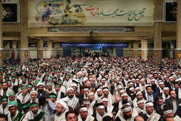 بالصور/ لقاء حشد من التعبويّين بالإمام الخامنئي