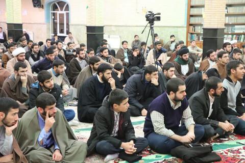 شبي با شهدا در حوزه علمیه بناب